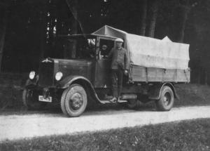 Bierfahrer mit Hansa-Lloyd-LKW