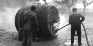 Reinigung Taufkirchner Holzfass 1958